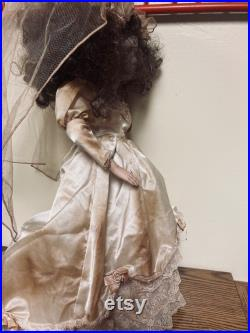 Halloween Creepy Bride Doll