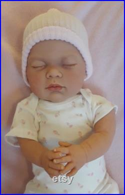 Realistic Mottled Skin 19 Sleeping Reborn Baby Girl Doll Magnetic Dummy Lotty CE Approved